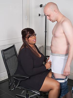 Job interview turns into PLUMPER sex