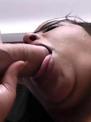 Black PLUMPER masseuse sucks and fucks